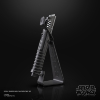 STAR WARS THE BLACK SERIES THE MANDALORIAN DARKSABER FORCE FX ELITE LIGHTSABER - oop (1)